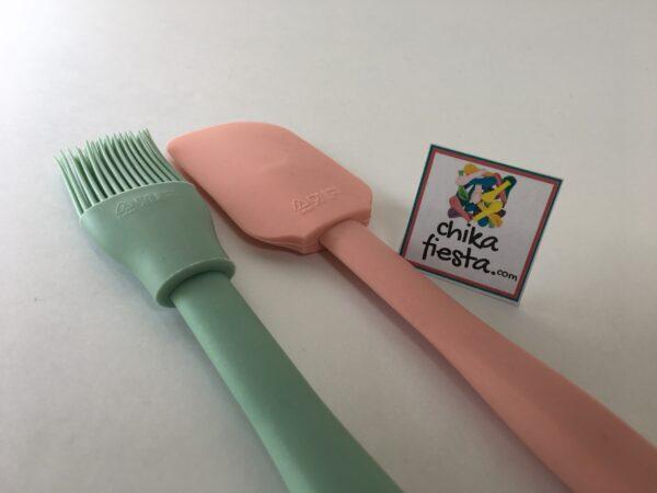 Set de Espatula Miserable y Brocha de Silicon Rosa y Verde